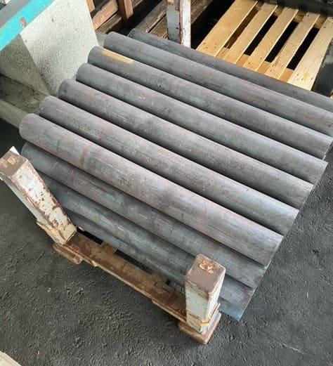輸送品:切断特殊鋼のラック輸送品(1000mm×1000mm×1000mm)