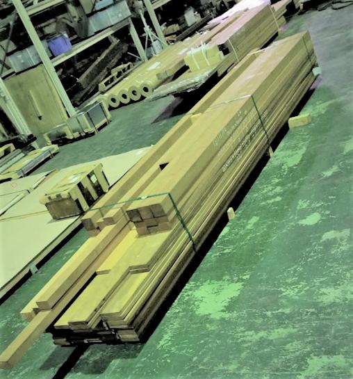 輸送品:木材(4700mm)