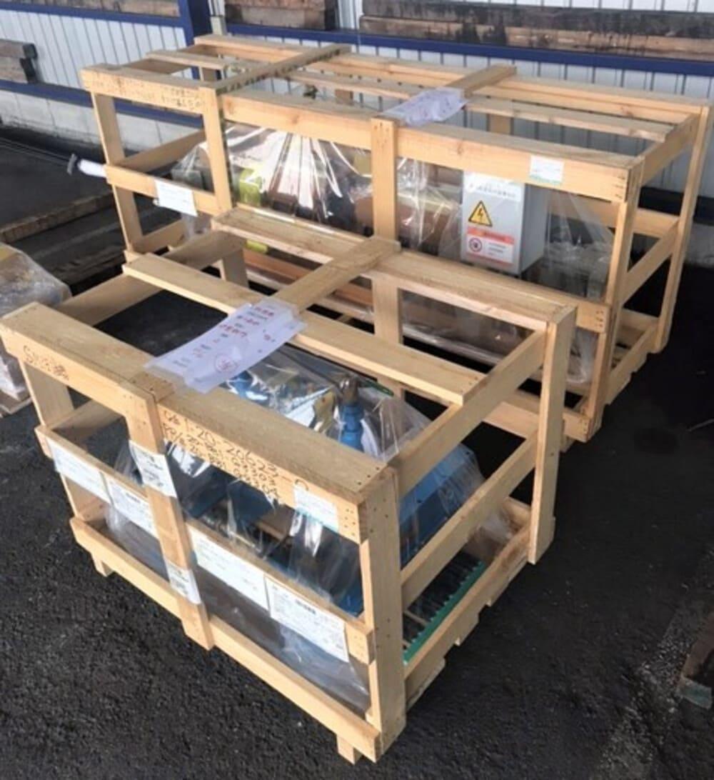 輸送品:注油機(すかし木箱)2箱