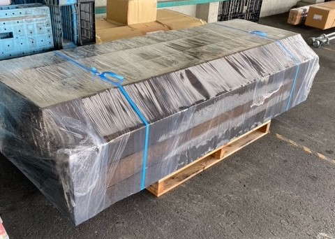 輸送品:2.6m枕木